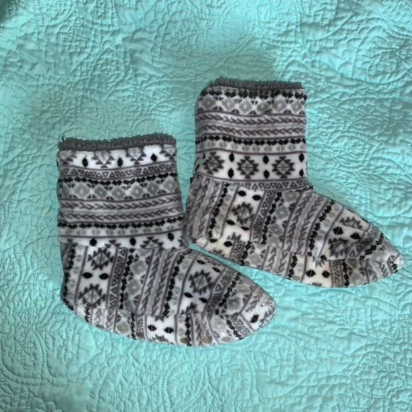 Cuddl Duds Shoes - Fuzzy House Shoes